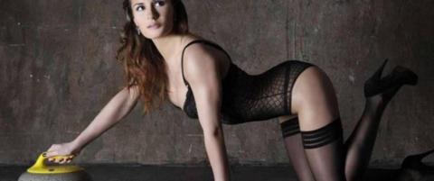 Hun tar opp kampen med de norske curlinggutta