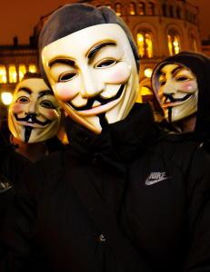 Nakenbilde avsl�rte unge hackere som lammet Ap