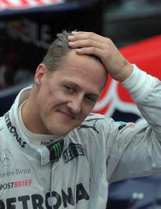 Schumacher mottar hyllest mens han fortsatt ligger i koma
