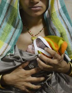 - 2,2 millioner barn d�r ved f�dsel eller f�rste dag