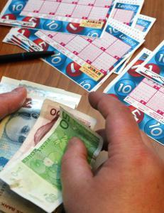 H�yesterett nekter eks-lottomillion�r gjeldshjelp