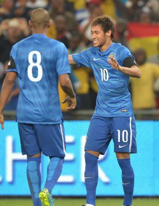 Neymar p� eksklusiv liste etter hat trick mot S�r-Afrika