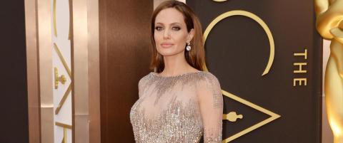 Angelina Jolie legger seg under kniven igjen