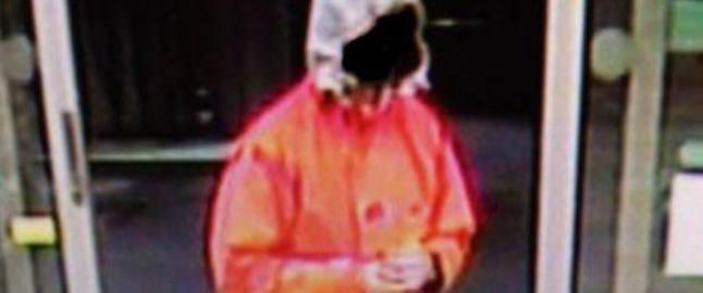 Etterlyser denne mannen etter at bil med sovende 8-�ring ble stj�let