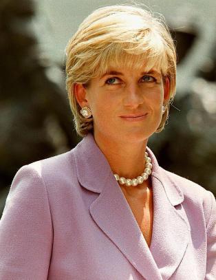 - Prinsesse Diana lekket hemmelige opplysninger til meg