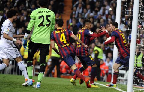 <p>For en kamp. Stillingen er 3-3 og det er spilt i 66 minutter. Real Madrid har Ramos utvist.</p> <p></p> <p><em>Foto: NTB Scanpix.</em></p>