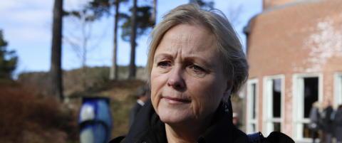 Widvey kalte artisten Ratkje for rattkjelke under festivalåpning