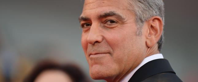 George Clooney forlovet med 16 år yngre advokat
