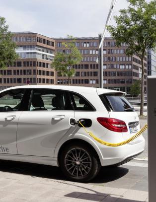 Den nye Mercedesen har Tesla-motor