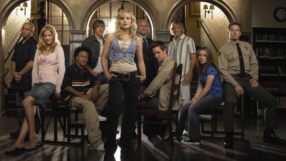 STADIG POPUL�R: TV-serien �Veronica Mars� med Kristen Bell i hovedrollen nekter � d�. N� f�r Dick Casablancas, spilt av Ryan Hansen (nr. tre fra h�yre), sin egen spinoffserie.