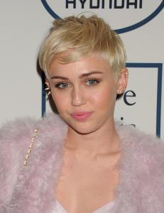 Miley benekter rykter om overdose