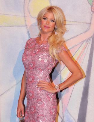 Victoria Silvstedt bekrefter ny kj�reste