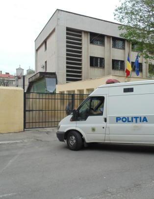 Norsk million�r pedo-tatt etter vill biljakt i Romania
