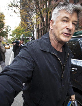 Alec Baldwin ble arrestert p� �pen gate i New York i dag