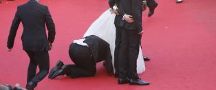 Skuespiller angrepet av vill reporter p� film-premiere