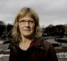 Frp-Kristian likte ikke tonen i sp�rsm�lene v�re - derfor stiller SV-Karin som vikar