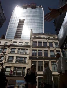 Husker du skyskraperen som smeltet ting? N� har de funnet en l�sning p� problemet