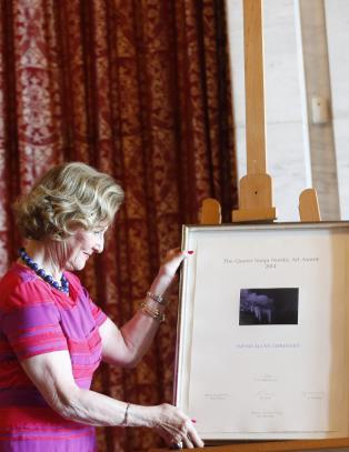 Dronning Sonja kunstnerstipend delt ut til danske