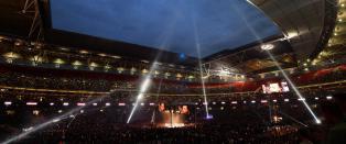 P� 24 timer ble Wembley forvandlet til verdens st�rste boksearena