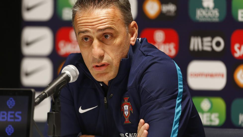 Nå begynner Portugal-sjefen å bli irritert.