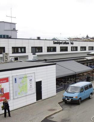 Evakuerte Torp flyplass etter funn av mistenkelig pakke