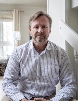 D�mt til fire �rs fengsel for utroskap mot Thule drilling