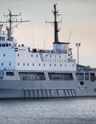 Fryktet eks-pirat bruker norske krigsskip