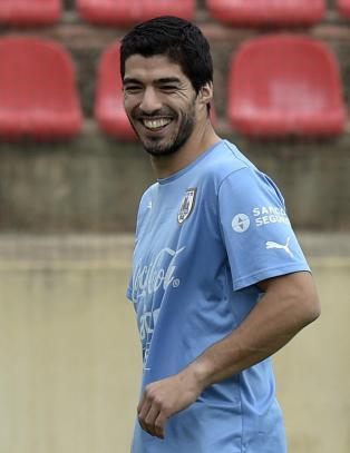 Luis Su�rez er skadefri og klar til � spille mot England