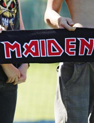 Vet du hvem som synger i Iron Maiden akkurat n�?