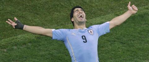 Sensasjonell og skadefri Suarez senket England