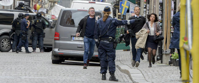 Fengslet etter bombetrusler mot Sveriges to st�rste partier