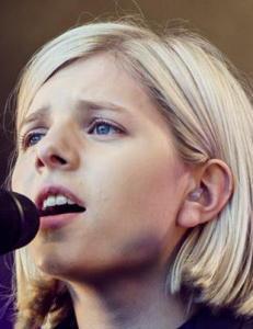 G�sehuden burde blomstre som blomk�l i n�rheten av en stemme som Auroras