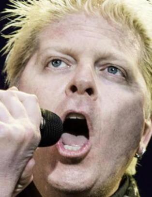 Til deg som stumpet r�yken p� sin bare brystkasse p� Offspring-konserten