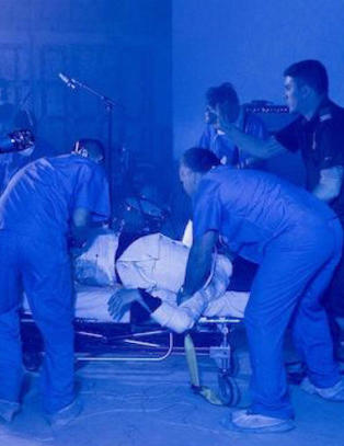 Jack White kj�rt fra kjellerkonsert i ambulanse