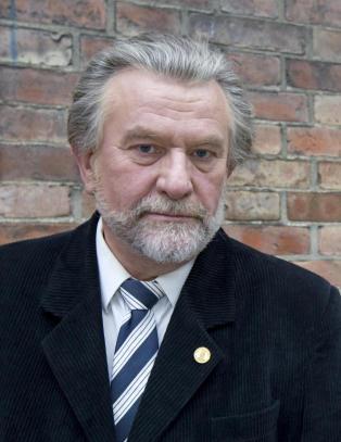 Steinfeld raser mot NRK-kolleger