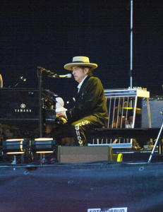 Perfekt Bob Dylan svingte seg inn i solnedgangen