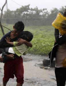 Tyfon f�rer til masseevakuering i Manila