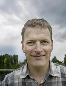 Om ikke �Hel ved� gjorde Lars Mytting til et kjent fjes, vil denne romanen gj�re det