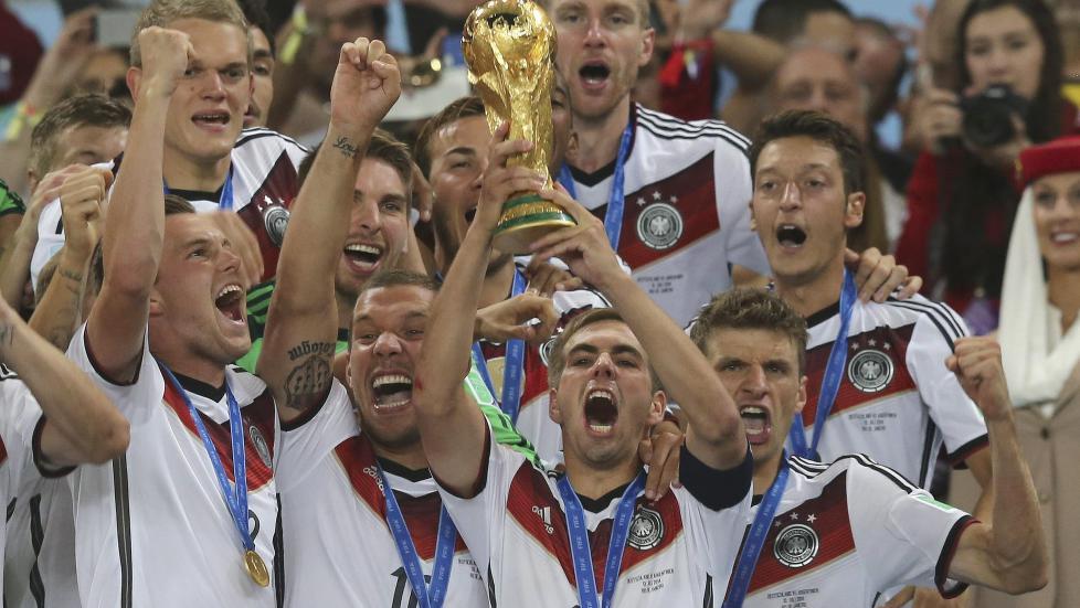 Mottok VM-trofeet for fem dager siden.