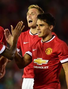 Fansen fikk kj�pt United-drakter til under halv pris