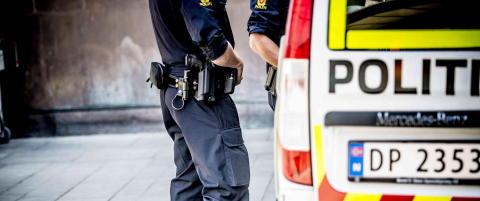 Trusselbildet mot Norge er alvorlig, men uendret siden søndag, ifølge PST. Politiet holder pressekonferanse mandag klokka 16.