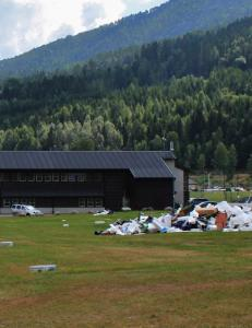 - Voldtektene skjedde i telt og campingvogner