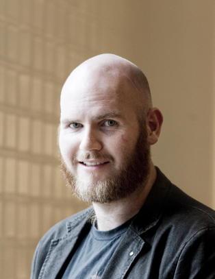 Forfatter Jan Roar Leikvoll er d�d