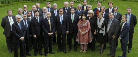 Camerons muslimske statsr�d g�r av i protest mot politikken overfor Israel i Gaza