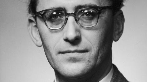 VAR SPIONMISTENKT: Men professor og Ap-politiker Gunnar Bøe ble aldri tiltalt. Dette bildet er tatt i 1956, tre år før han ble statsråd i Einar Gerhardsens regjering. Foto: Scanpix/ NTB.