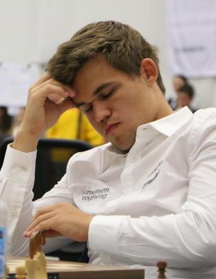 Carlsen stormet ut av spillelokalet: - Det er et sjokktap
