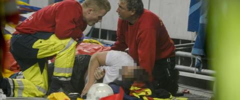 Tre personer falt ned p� betongen under Stockholms-derby