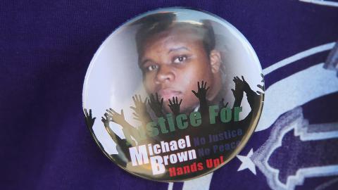 SKUTT: Michael Brown (18) ble skutt og drept av en politimann l�rdag. Foto: Scott Olson/Getty Images/AFP
