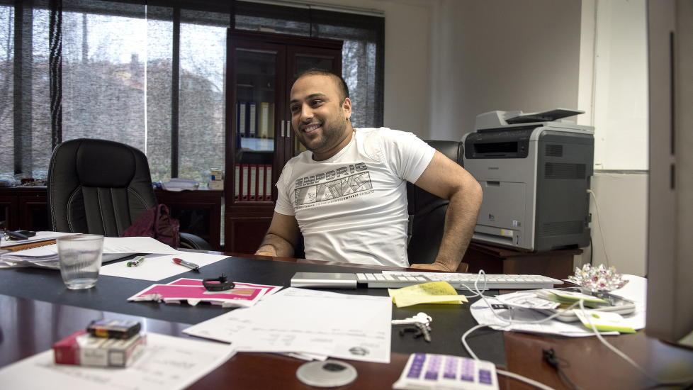 NEKTER FOR MENNESKEHANDEL: Dagbladet m�tte Sajjad Hussain (37), eier og daglig leder i Lime Minipris, i april i �r i forbindelse med at han var siktet for store skatteunndragelser i hans tidligere butikker. N� er han siktet for menneskehandel.  Foto: �istein Norum Monsen