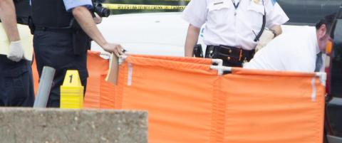 Politiet i St. Louis skj�t og drepte ung afro-amerikaner med kniv